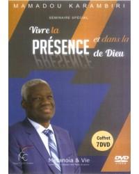 Vivre la présence et dans...